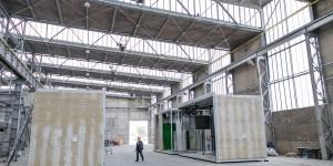 Prefabrykacja modułów budowlanych w zakładzie produkcyjnym