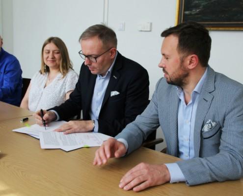 Podpisanie umowy przedszkole Bielany