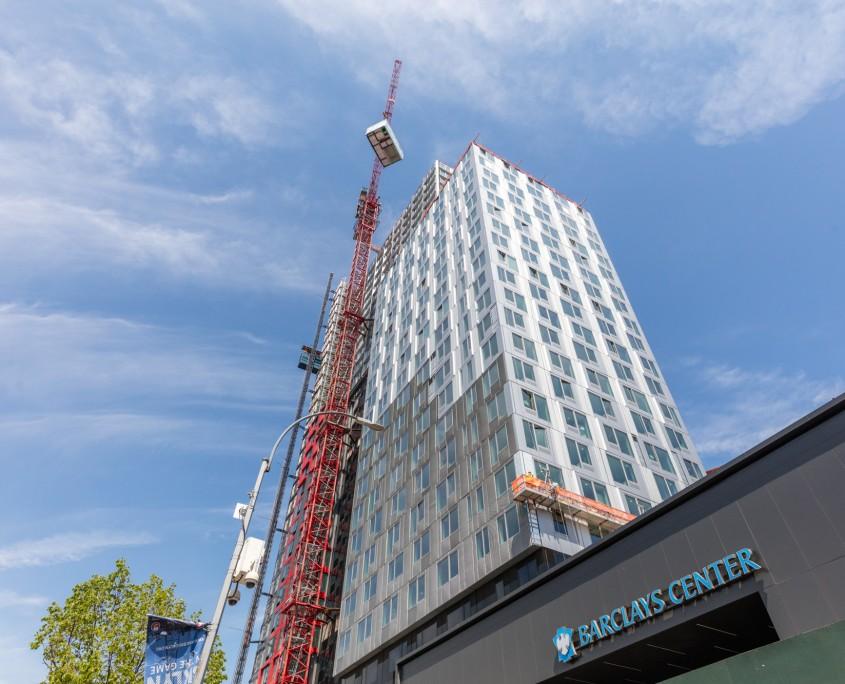 Modułowy, 32-kondygnacyjny wieżowiec B2 na nowojorskim Brooklynie