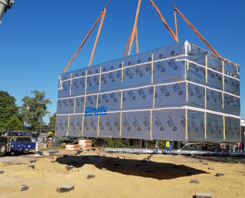 Montaż modułów przedszkola modułowego w Markach przez firmę Climatic