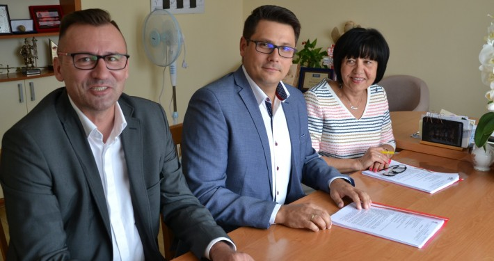 Podpisanie umowy na budowę żłobka modułowego w Konikowie Climatic