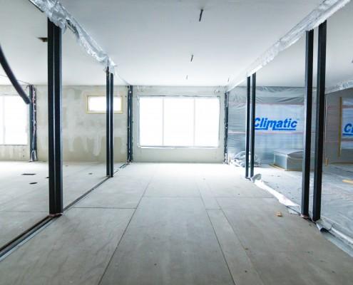 Wnętrze budynku modułowego Climatic tuż po montażu
